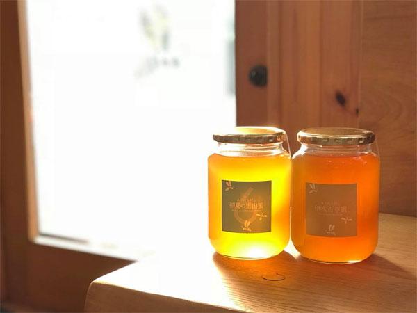 現在在庫がある、初夏の里山蜜と伊吹百草蜜