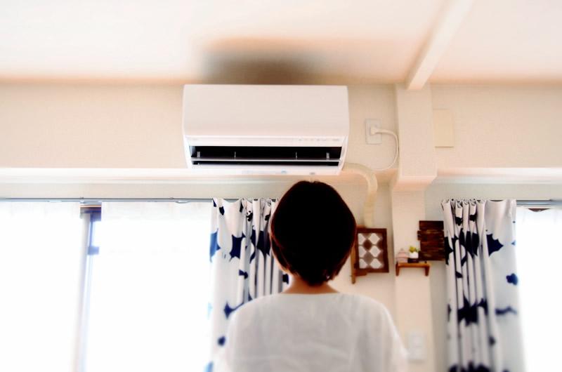 エアコンの冷えによる、バストへの悪影響とは?