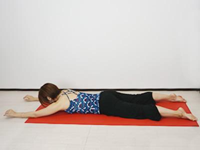 背中の筋肉エクササイズ1.jpg
