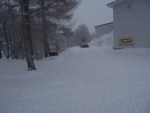 23日スノーサーキット除雪完了.jpg
