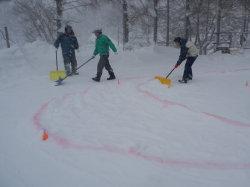 29日雪上コースづくり.jpg