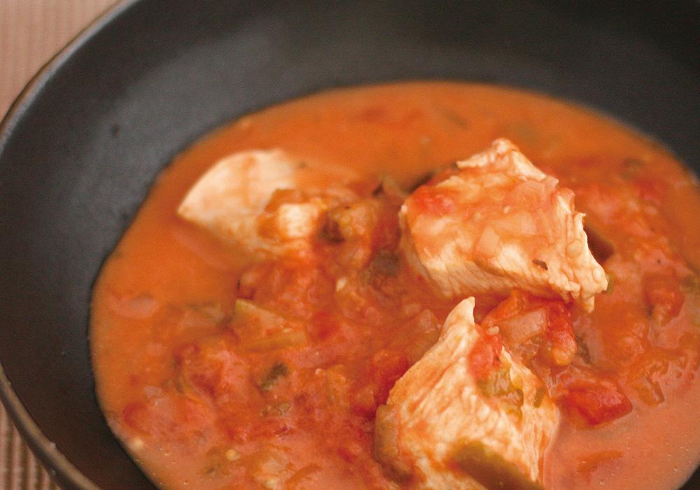 鶏むね肉のトマト煮込み