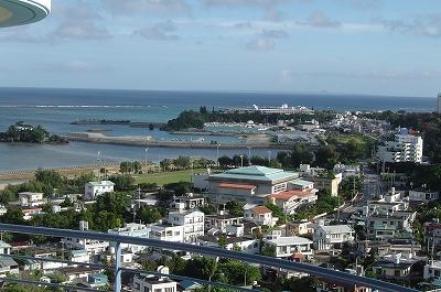 沖縄の町並み