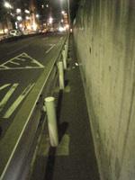 六本木付近の狭すぎる歩道