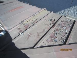 トタン屋根塗装剥がれ