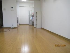 青梅市マンション床フロアー張り完成の様子