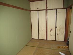 北側の和室。ほぼ納戸状態でした