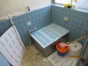 青梅市浴室工事前の様子