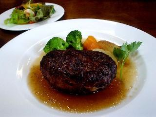 ハンバーグステーキ 肉汁