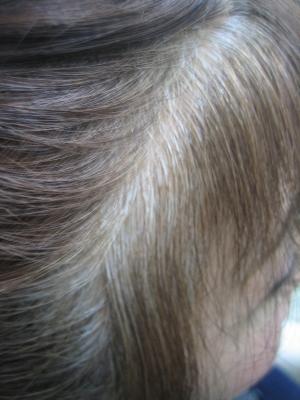 泡カラーからの縮毛矯正