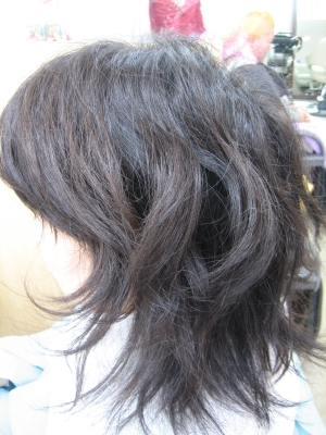 広がる髪を何もしないで直す
