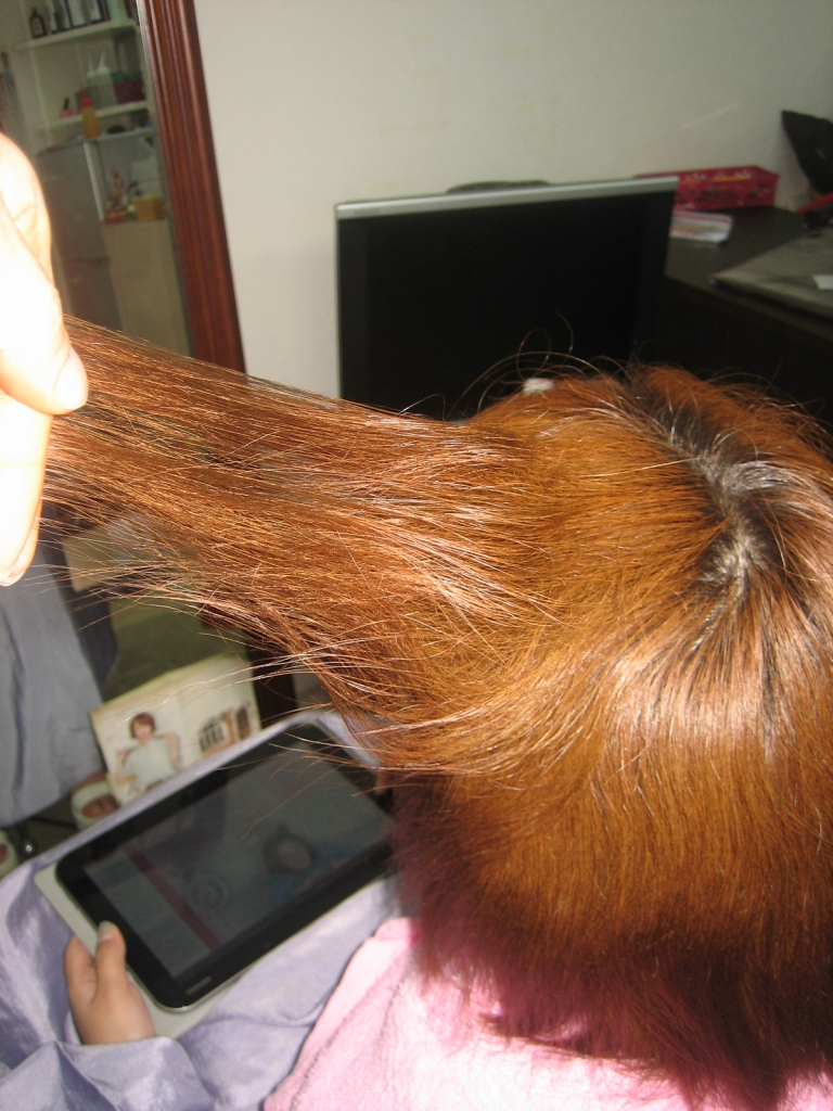髪の量が減らない チリチリ 髪の量を減らす 西大寺 美容室