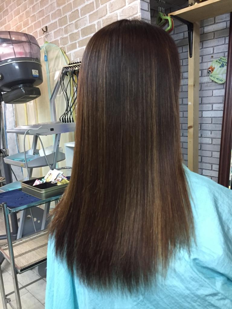 縮毛矯正とヘアカラーを一日で出来る美容室 痛まないストレートパーマ