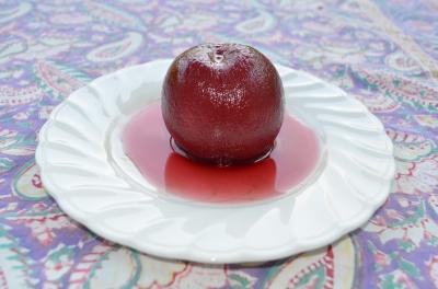 桃の赤ワイン煮