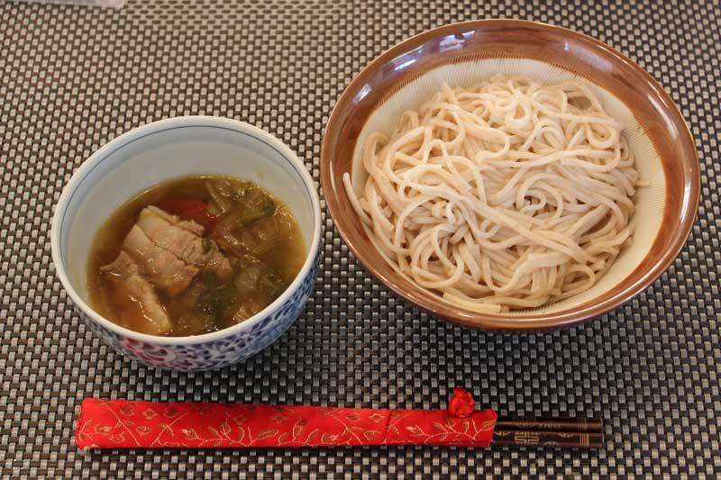 全粒麺の中華風つけ麺