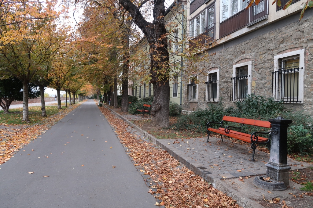 ベンチのある風景 budapest