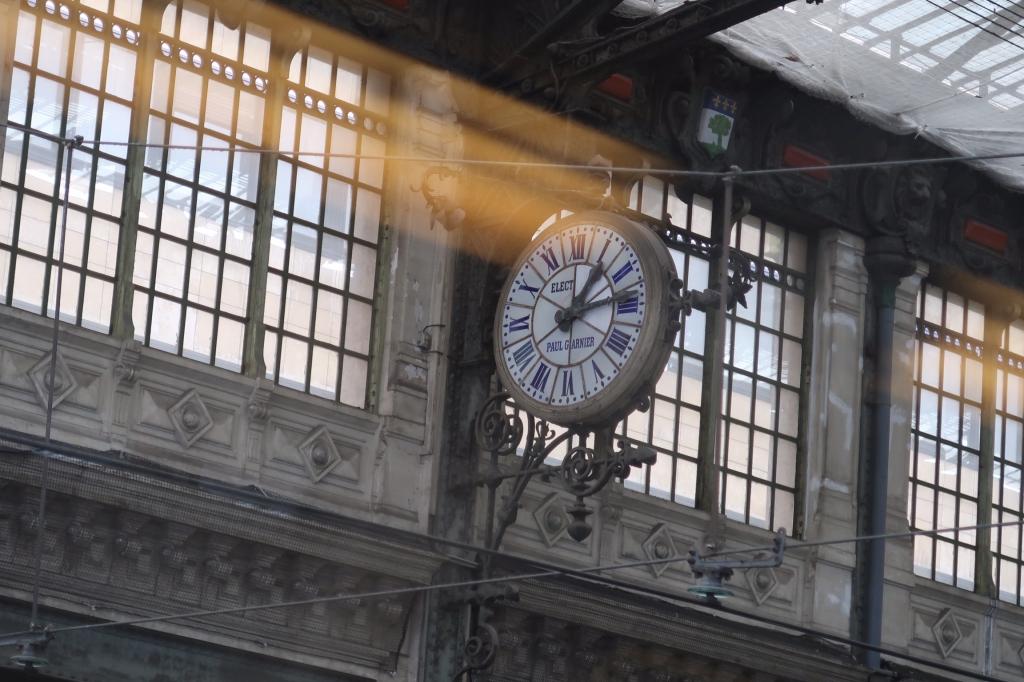 時計のある風景 paris