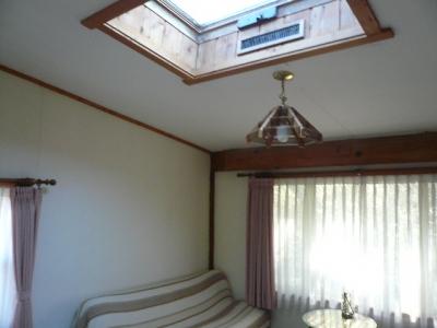 洋室と天窓