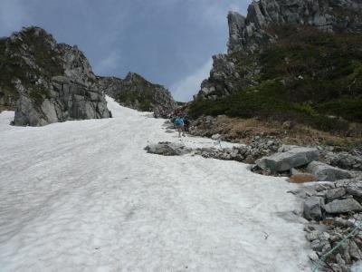 八丁坂途中の残雪