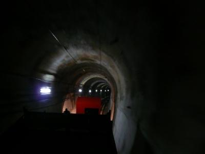 ケーブルカー トンネル内