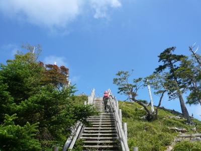 日出ヶ岳への登り