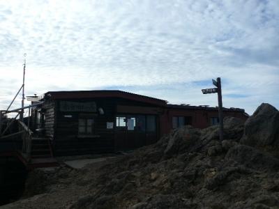 赤岳頂上山荘 外観