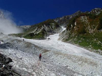 白馬大雪渓横断