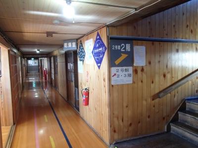 白馬山荘1階廊下