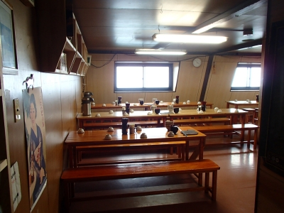 北岳山荘 食堂兼談話室