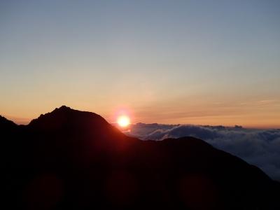 北岳山荘からの日の出