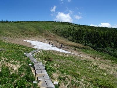 まだ雪渓があります