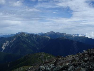 悪沢岳山頂からの南アルプス