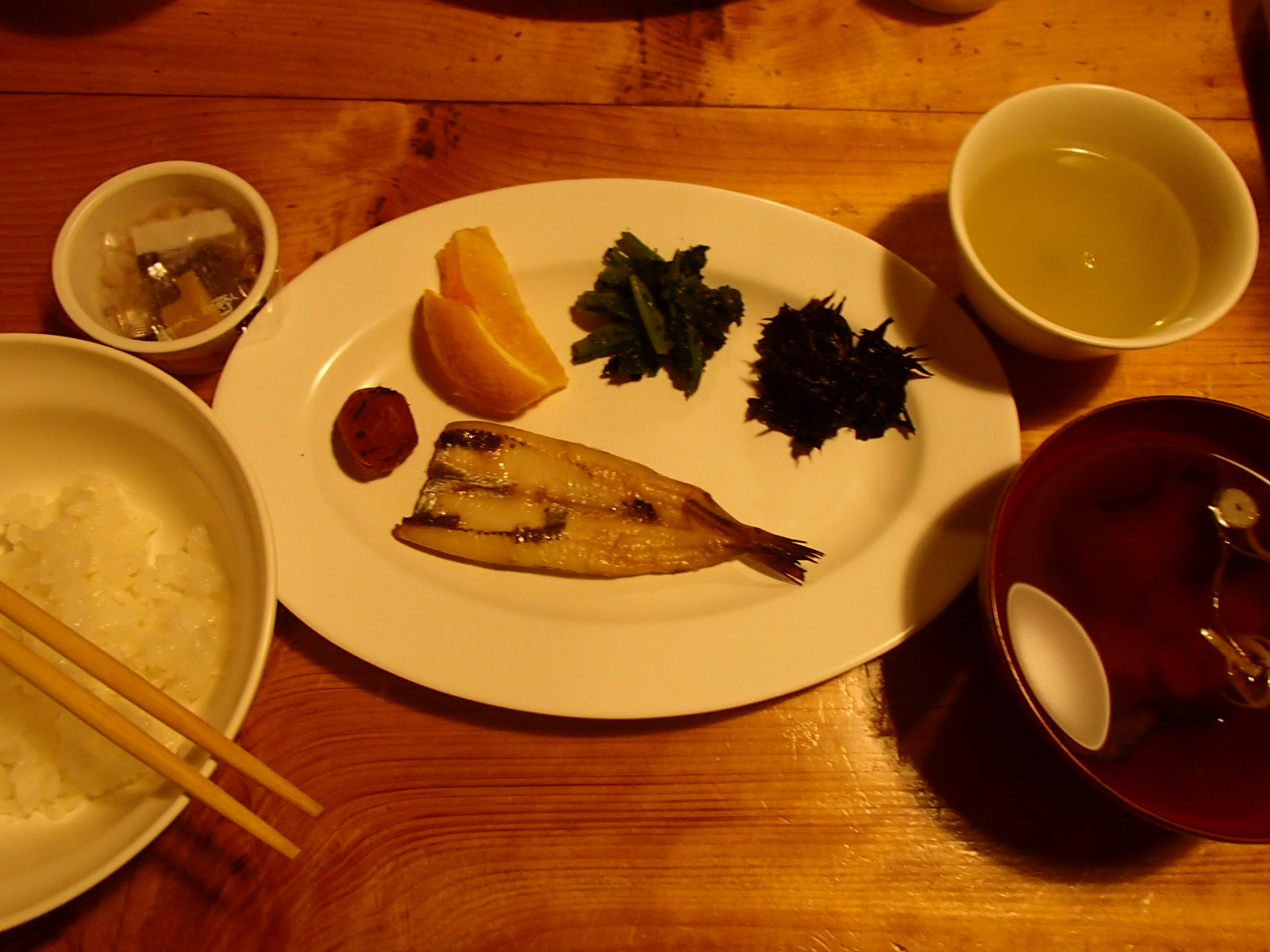 赤石小屋 朝食.JPG