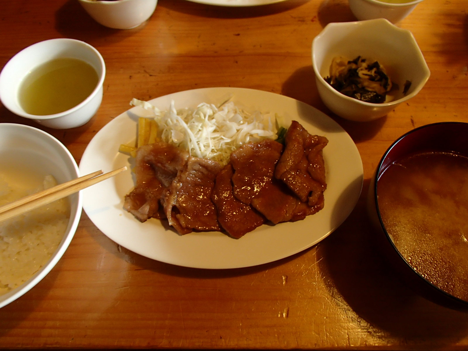 赤石小屋 夕食.JPG