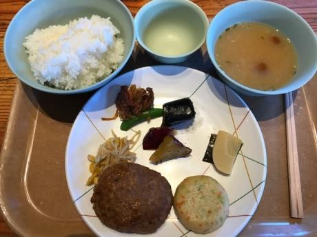 白山室堂ビジターセンター_夕食.JPG