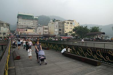 台湾 日月潭の湖畔