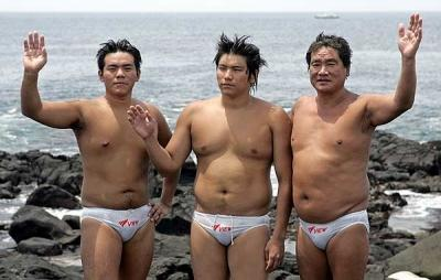 韓国 裸のオッサン オスヒトモドキ 強姦魔