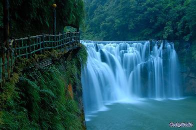 台湾 台北県  十分瀑布