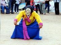 韓国 韓国仮面劇『河回別神クッ仮面戯』 娼婦ブネの放尿シーン