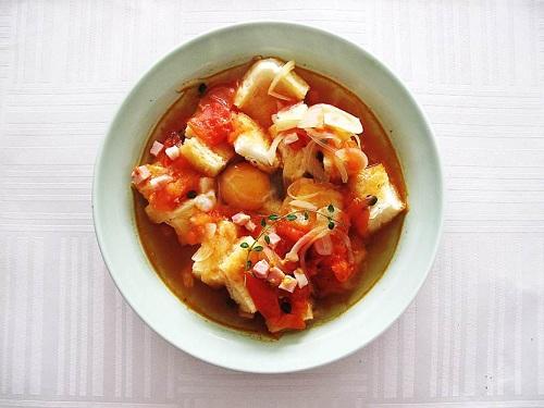 タイムを使ったスペイン風スープ1
