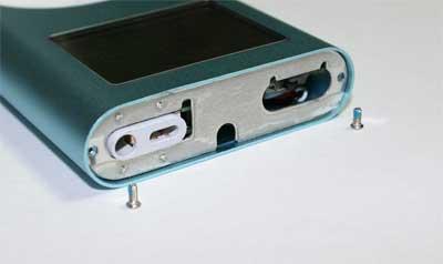 iPod表のネジ二本