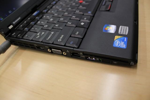ThinkPad X201s 左サイド