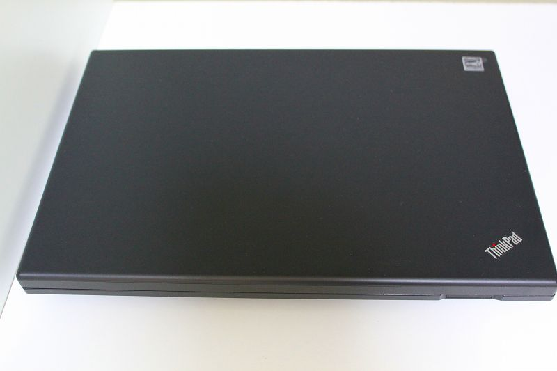 ThinkPad フラットな天板