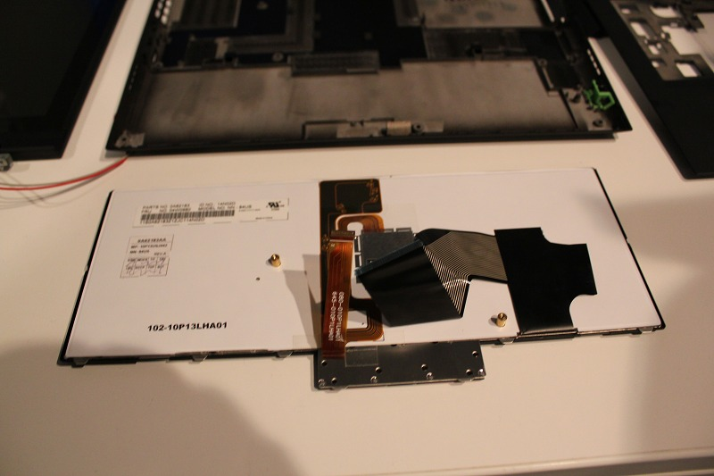 ThinkPad X1 キーボード裏