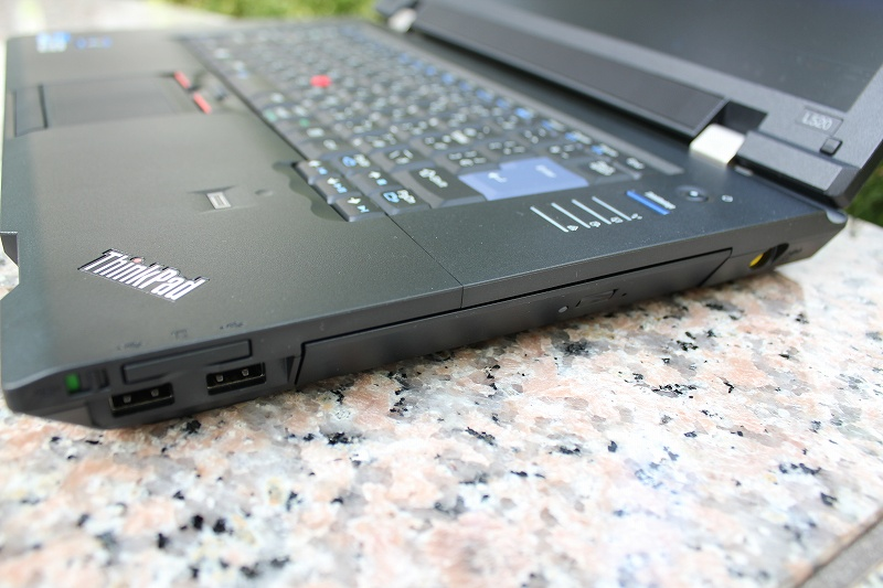 Lenovo ThinkPad L520 右側