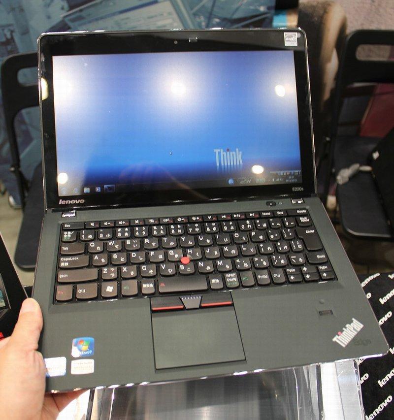 ThinkPad Edge E220s レビュー