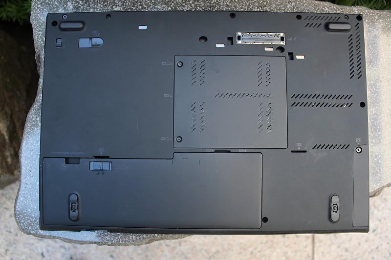 ThinkPad T430sの裏面