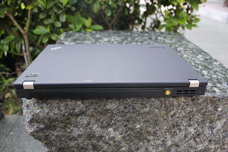 ThinkPad X230背面