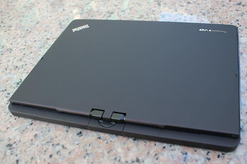 ThinkPad Twistの天板 (背側)