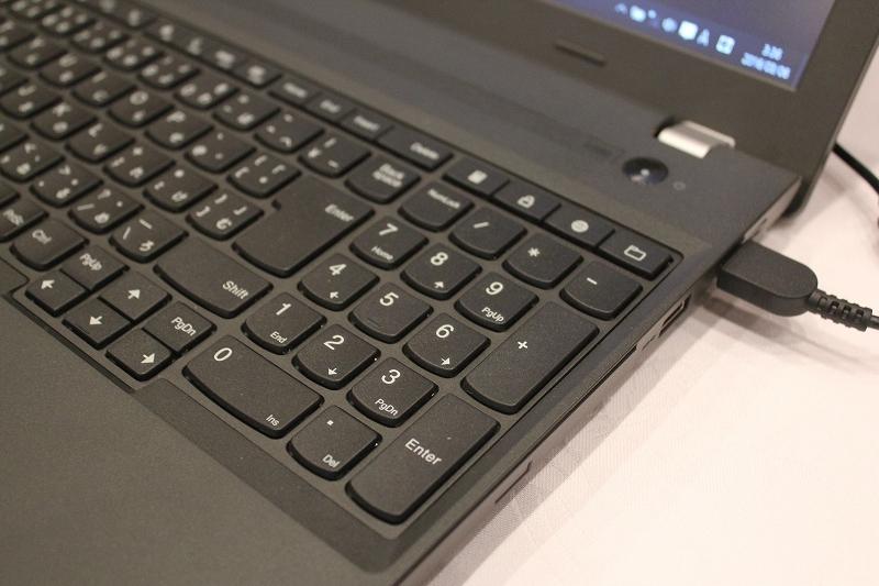 ThinkPad E560 テンキー搭載フルキーボード